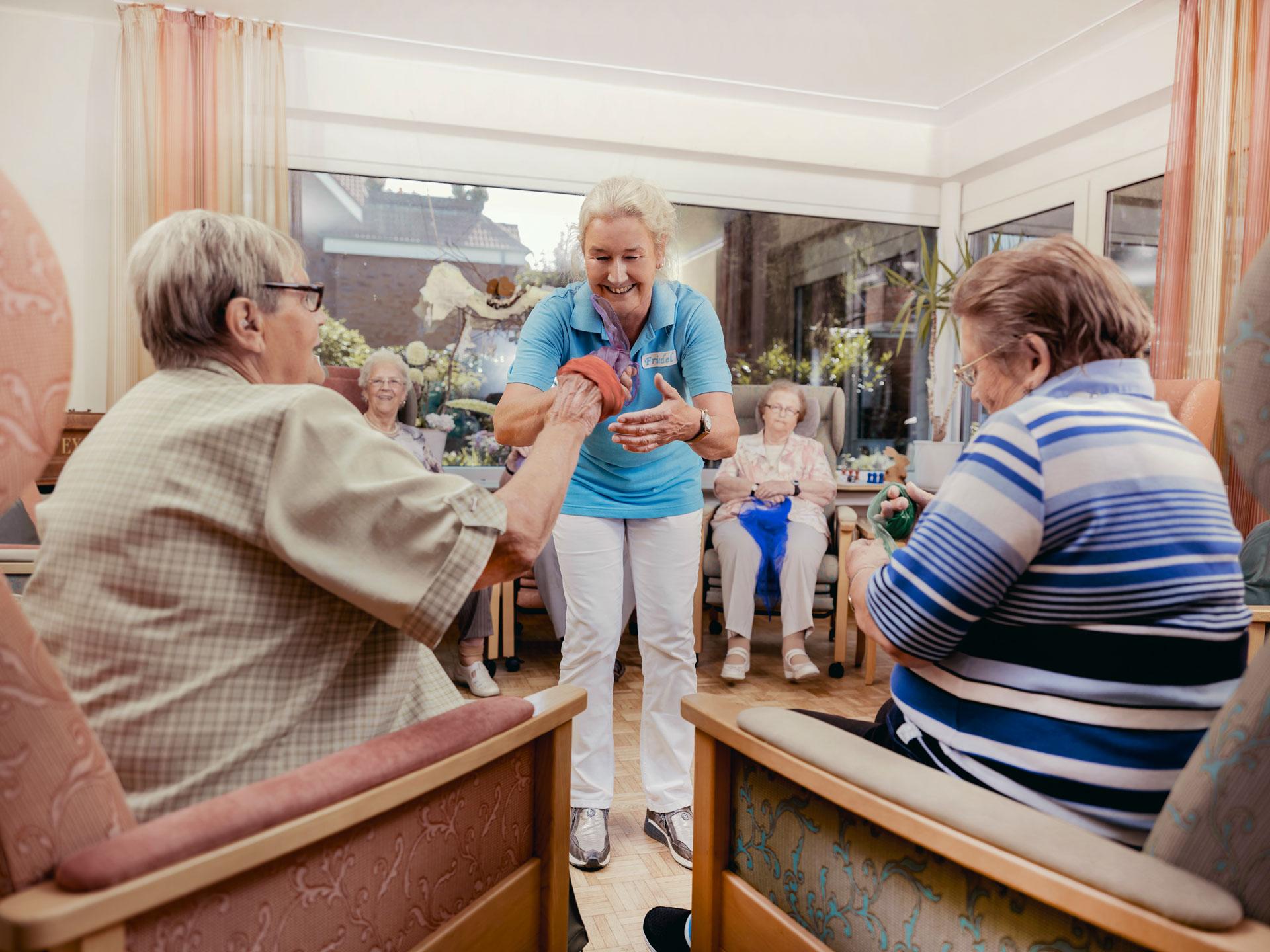 Patienten mit Betreuungskraft Friedel Gerdes