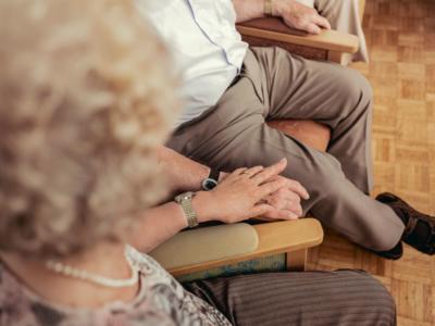 Patienten im Gemeinschaftsraum der Tagespflege (Hand in Hand)